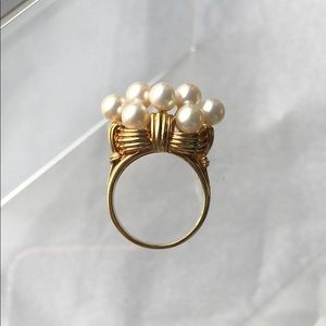 Jewelry - ⭐️14K Pearl Cluster Ring⭐️